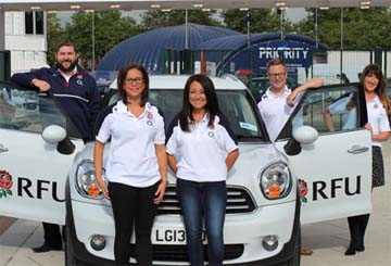 UK – #TwickersTravels pop up tour brings summer to clients