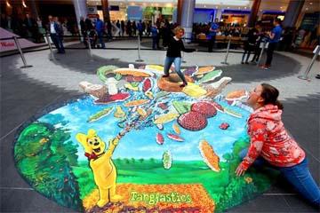UK – Haribo puts the 'pop' into street art